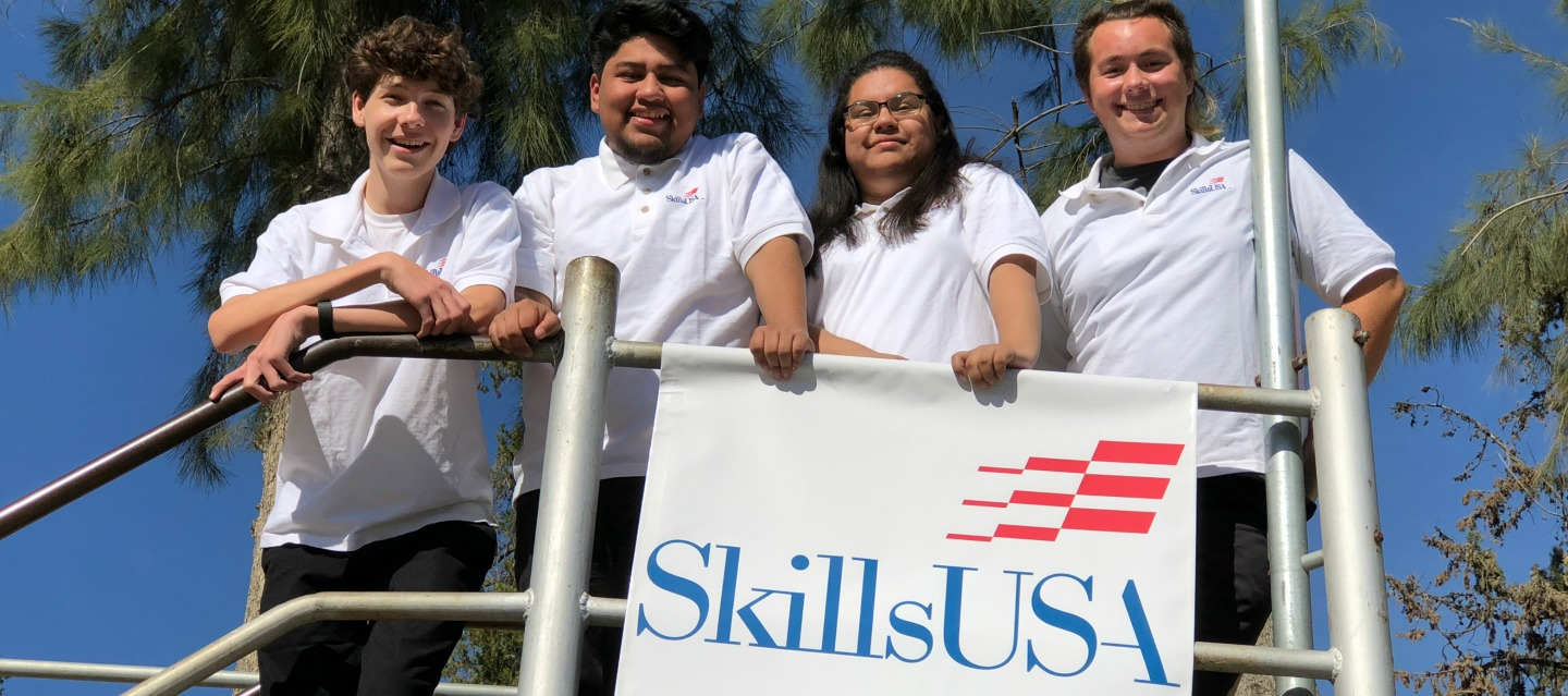 EMHS SkillsUSA team competes in Regionals for Digital Photography
